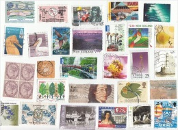 WORLDWIDE OFF PAPER LOT  ALL DIFFERENT BOTH MINT AND USED  100.00usd SCOTT CAT VALUE-20.00usd - Vrac (max 999 Timbres)