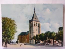 GIEN (45) - L'EGLISE - Gien