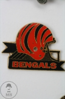 American Football Team Helmet Logo: Cincinnati Bengals - Pin Badge #PLS - Fútbol