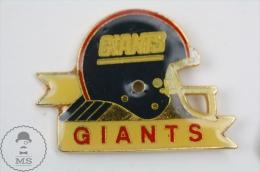 American Football Team Helmet Logo: NY Giants - Pin Badge #PLS - Fútbol