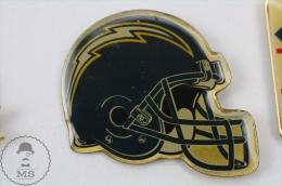 American Football Team Helmet Logo: San Diego Chargers - Pin Badge #PLS - Fútbol