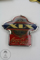 Super XIX Bowl Coca Cola Advertising Pin Badge #PLS - Fútbol