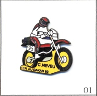 Pin´s Motos - Rallye Paris-Dakar / Cyril Neveu 1982. Est. Pin's Privilège Paris. EGF. T356-01 - Motorfietsen