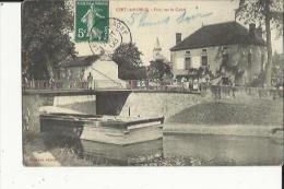 Ciry-le-Noble  71    Le Pont Sur Le Canal Animé Et Café - France