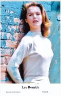 LEE REMICK - Film Star Pin Up - Publisher Swiftsure Postcards 2000 - Artiesten
