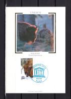 """FRANCE 2005 Carte Maximum Soie N° YT SERV 132 """" UNESCO 2005 : BISON DE LA FORET DE BIALOWIESA POLOGNE"""" En Parf état. CM"""