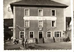 CPSM 25 LES FINS , HOTEL DU VALLON Café Station Service Pompe A Essence - Frankreich