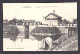 VIERZON - Le Canal Et L' Ecluse De Grossous - Vierzon