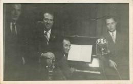Radio - Chanteurs - Groupe - Etats-Unis d�Am�rique - D�dicace - Radio F.B.S. - Photo 1949 - A identifier - 2 scans -�tat