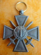 Croix De Guerre Etat Français 1944 Repro - France