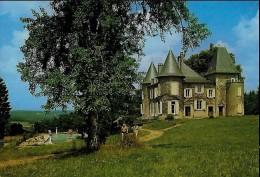 CARTE POSTALE ORIGINALE GRAND FORMAT : NEUVIC ; CENTRE DE VACANCES DU MIALARET ; CORREZE (19) - Autres Communes