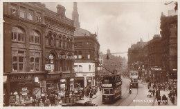 Royaume-Uni - England - Leeds - Boar Lane - Commerces Tramways - Leeds
