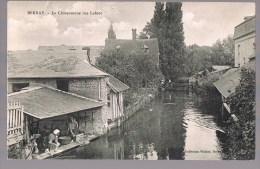 BERNAY . La Charentonne , Rue Lobrot . Laveuses . - Bernay