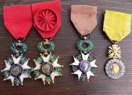 """Lot 3 Medailles Legion D´Honneur """" Floreal An X """" + 1 Valeur Et Discipline - Badges & Ribbons"""