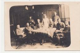 Photocarte Allemande- Officiers Allemand Femme De Service (guerre14-18) - War 1914-18