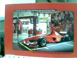 AUTO CAR F  FORMULA 1,CAMPIONE DEL MONDO, NELLA VETRINA DEL FERRARI STORE, MARANELLO    N2010 ET16660 - Grand Prix / F1