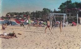 Ar - Cpsm Petit Format Volley - SAINT AGULF (Var) - Un Coin De La Plage - Volleyball