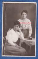 CPA Photo - SAINT GHISLAIN - Portrait De 2 Femmes De La Commune - O. Bonbled - Woman Robe Mode Dress Couture Montre - Saint-Ghislain