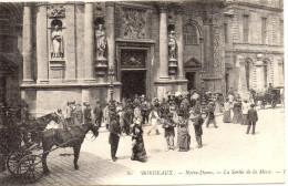Bordeaux - Notre Dame - La Sortie De La Messe - Bordeaux