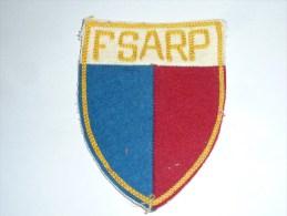 AVIRON BLASON FAIT MAIN - FSARP Fait Main Ancien 01- RARE - COQ FRANCE ECUSSON TISSU SPORT BATEAU - Aviron