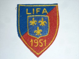 AVIRON BLASON FAIT MACHINE - LIFA 1951 - RARE - COQ FRANCE ECUSSON TISSU SPORT BATEAU - Aviron