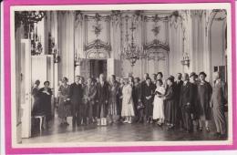 GROUPE  AU  CHÂTEAU  DE  SCHÖNNBRUNN (  CARTE PHOTO  ) - Château De Schönbrunn