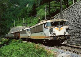 CPM LE RAIL USSELLOIS N° 233 BB 8637 Et 8628 Peu Après Le Tunnel De RUNHAC BERDUQUET 09 - Trenes