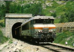 CPM LE RAIL USSELLOIS N° 236 La BB 7321 Sort Du Tunnel De PUYMORENS 66 - Trenes