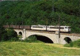 CPM LE RAIL USSELLOIS N° 238 BB 8619 Et 8628 Peu Avant MERENS LES VALS 09 - Trenes