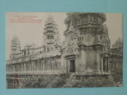 ANGKOR - La Tour D'angle Et Soubassements De La Deuxième Galerie Ouest - Cambodge