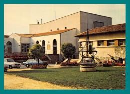 16 Ruffec Centre Culturel ( Puits, Voitures ) - Ruffec
