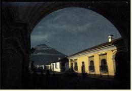 Guatemala  -  Santa Catalina Convent  -  With View Of Volcano  -  Ansichtskarte Ca. 1980    (groß) - Guatemala