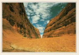 AUSTRALIA  PARCO NAZ. DI ULURU:  IL MONTE OLGA       (NUOVA CON DESCRIZIONE DEL SITO SUL RETRO) - Australia