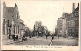 18 VIERZON - Rue De La République Et Rue Victor Hugo - Vierzon