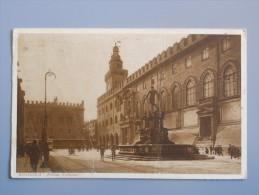 Bo2559)  Bologna - Piazza Nettuno - Bologna