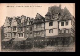 22 LANNION Place Du Centre, Vieilles Maisons, Animée, Ed Hamonic, 1923 - Lannion