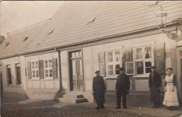 Fiddichow  Widuchowa Bei Stettin Szczecin  Orig Foto AK Haus Mit Personen - Pommern