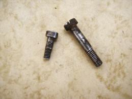 1vis De Ressort De Batterie + 1 Vis De Batterie  De  Fusil Reglementaire Modèle 1777 - An 9    . - Decorative Weapons