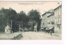 CPA (12) SAINT-AFRIQUE - Avenue De Vabres - Animée   . (013) - Saint Affrique