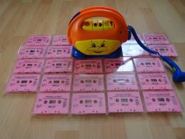 MAGNETOPHONE PLAYSKOOL ET SON MICRO  AVEC 22 CASSETTES - Toy Memorabilia
