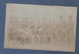 MILITARIA - CARTE PHOTO D´UN GROUPE DE MILITAIRES DU 152e RI ECRITE DE JORQUENAY VERS 1914 - Uniformes