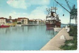 157 - LA NOUVELLE - LE PORT  ( Animée Pécheur + BATEAU ) - Port La Nouvelle