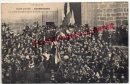 87 - SAINT JUNIEN -  OSTENSIONS - LA SORTIE DE L' EGLISE APRES LA BENEDICTION DES DRAPEAUX