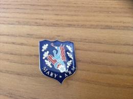 "Pin´s ""MARY ARM"" (blason, Cartouche, Chasse, Dragon) - Militari"