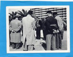 guerre d�alg�rie -carte FM Baconnier-une partie de boules p�tanque-gros plan -devant l'immeuble