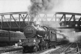 Castle Locomotive Leaves Paddington Worcester Train - Railway