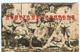 MILITARIA < CARTE PHOTO De MILITAIRES En TENUE - SOLDAT MILITAIRE - DOS SCANNE - Personen