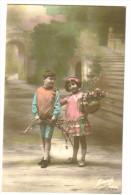 """Carte Postale  Ancienne """"fantaisie """"garçonnet Et Fillertte - Groupes D'enfants & Familles"""