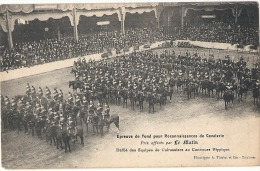 Militaria Militaire Epreuve De Fond Pour Reconnaissance De Cavalerie Défilé Equipes De Cuirassiers Au Concours Hippique - Manoeuvres