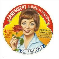 """Etiq. Camembert """"  LA BELLE DE TOURRIERS """" (femme Avec Rose) - Fromage"""